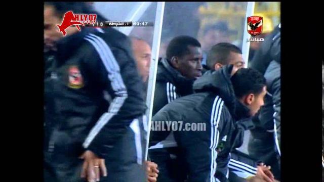 هدف فوز الأهلي 1 الشرطة 0 ابو تريكة الدوري 18 يناير 2012